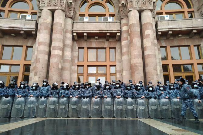 Սուքիասյանն արտահայտում է ամբողջ ոստիկանական համակարգի ներսի ցասումը. «Ժողովուրդ»