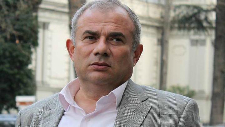 Մեկ շաբաթվա ընթացքում Հայաստանի իշխանությունն արգելեց երկու ներկայացում. Հարություն Հարությունյան