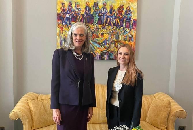 Հոկտեմբերի 26-ին ԱՄՆ-ում ՀՀ դեսպան Լիլիթ Մակունցը հանդիպել է ԱՄՆ Կոնգրեսի Ներկայացուցիչների պալատի նախագահի օգնական, կոնգրեսական Քեթրին Քլարկին